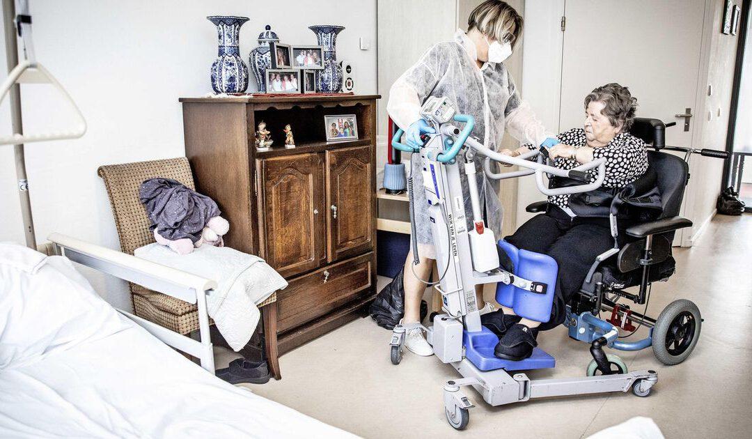 Hoogste ziekteverzuim verplegers en verzorgers in tien jaar