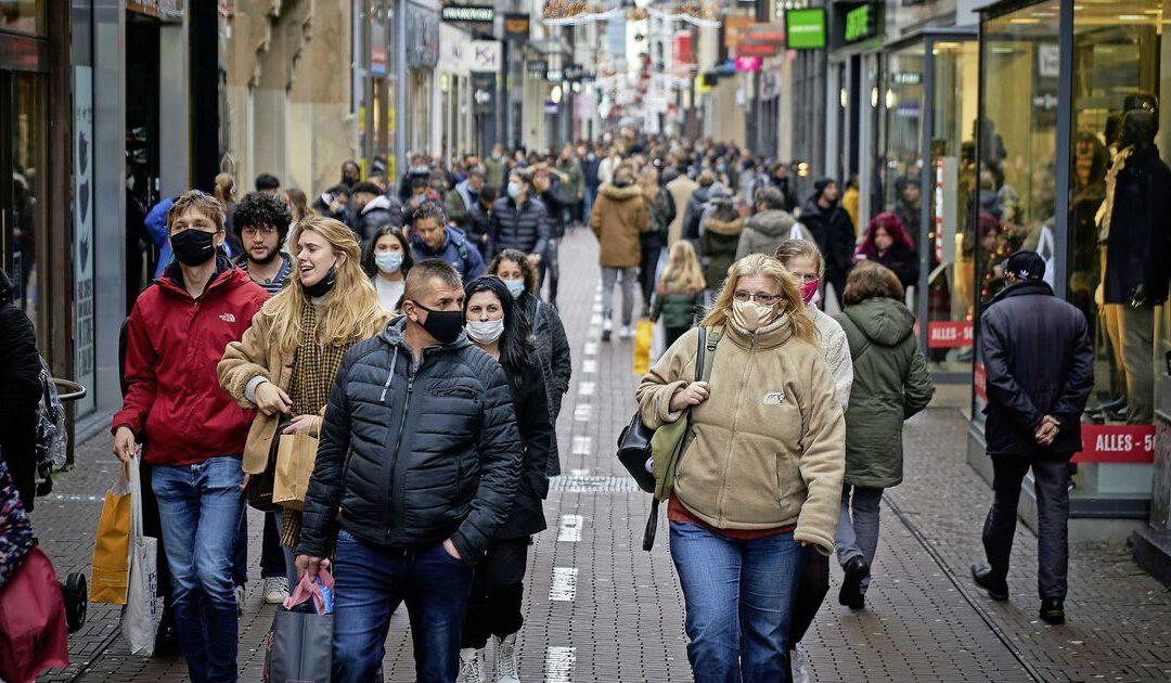 'Sluit niet alle winkels vanwege coronadrukte'