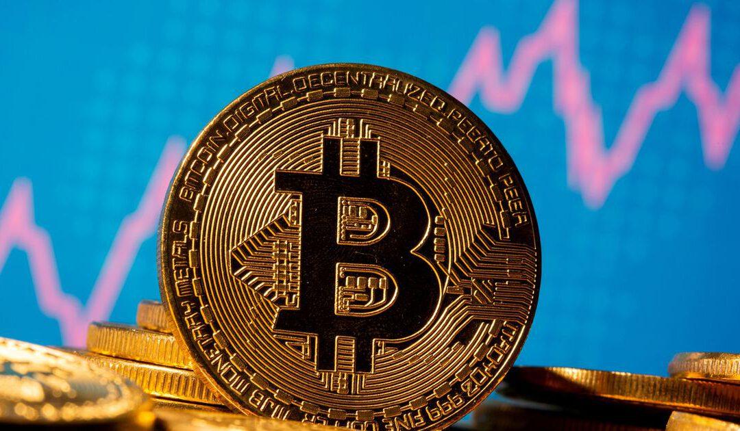 Bedrijven rennen nog even snel naar peperdure bitcoinmunt