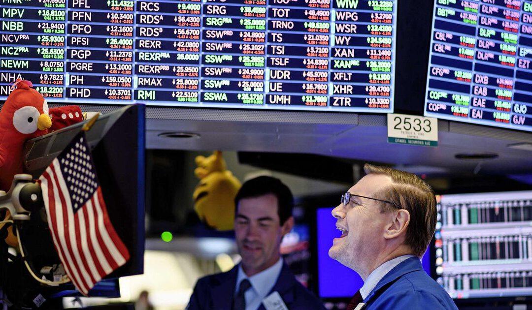 Wall Street scherpt records aan; Tesla trekt op met bitcoindeal