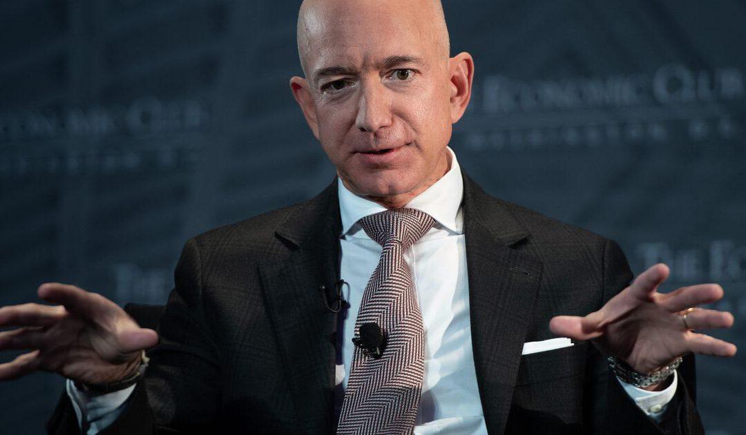 Amazon-baas Jeff Bezos gaat roer overgeven