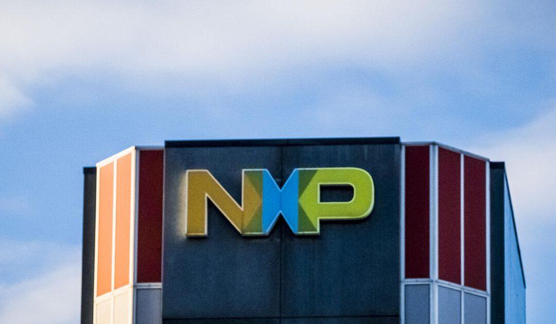 Chipmaker NXP koopt voor miljarden aandelen in