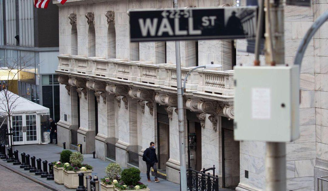 Financials zakken en techaandelen winnen in de VS
