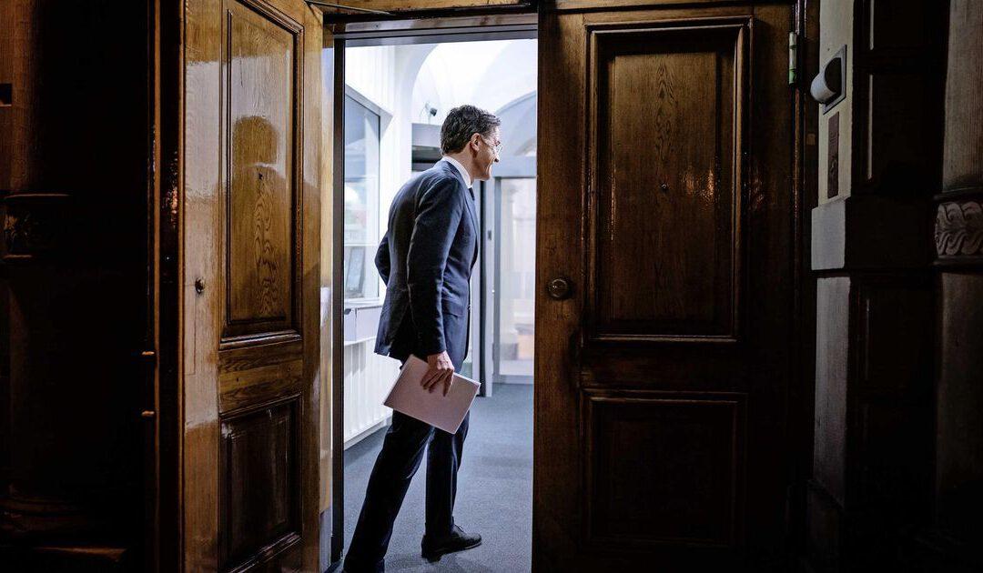 Grote zorgen over Haagse impasse: 'Ga het land besturen!'