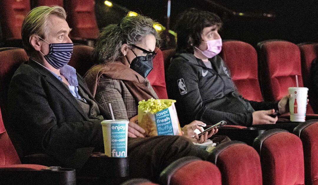'Relbeleggers' openen jacht op bioscoopketen AMC