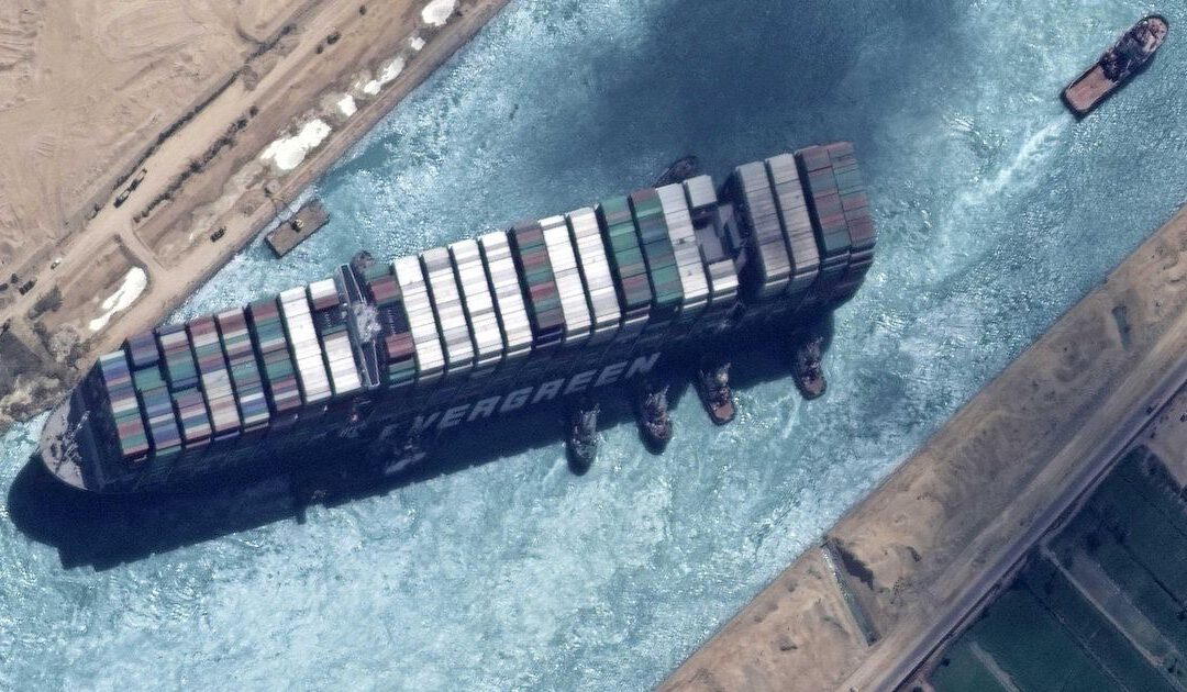 Eigenaar blokkeerschip Suezkanaal doet nieuw compensatiebod