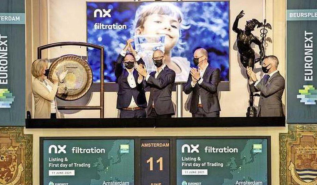 AEX brengt leunend op Arcelor nieuwe piek over de streep