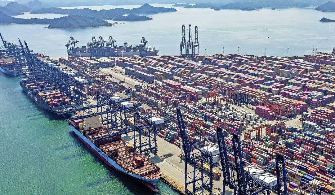 Chinese export zucht onder schaarste en corona
