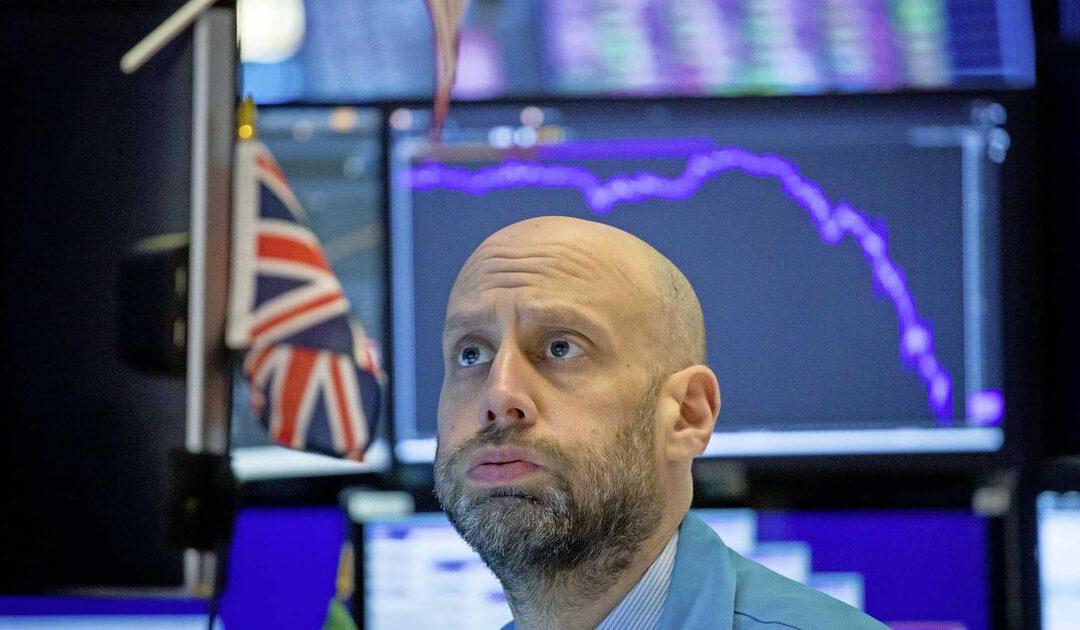 Wall Street kabbelt naar kleine winst; vuurwerk bij AMC