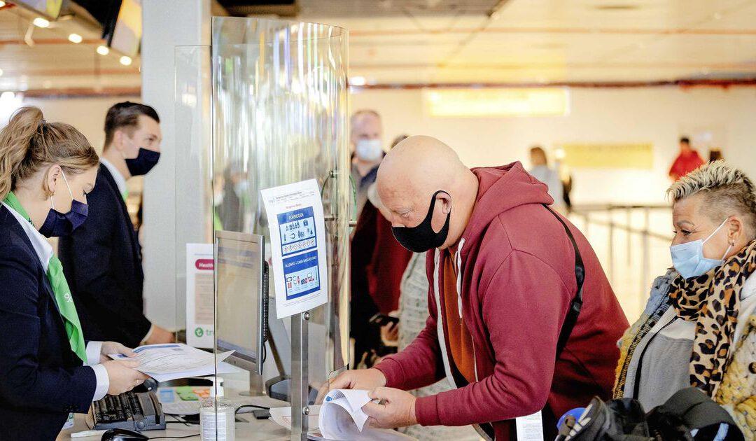 'Papiermolen op Schiphol omdat scan QR-code nog niet werkt'