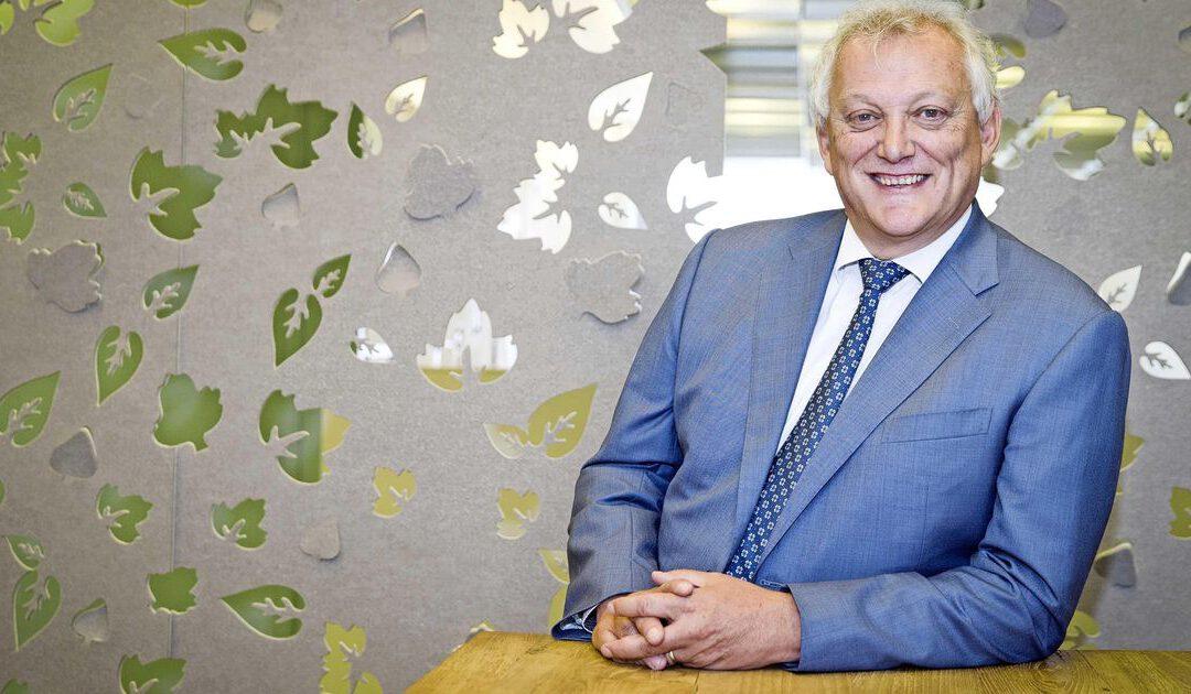 Profiel: 'aimabele' en 'spijkerharde' Gerard van Olphen moet onrust bij staatsbank temmen