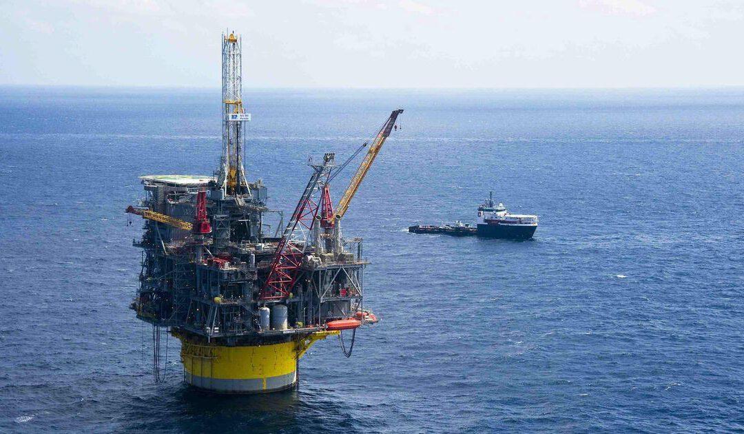 Schade aan platform Shell door orkaan Ida