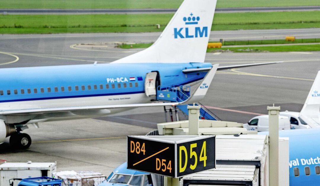 KLM dreigt met juridische stappen om tariefsverhoging Schiphol